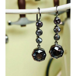 spinel-drop-earrings